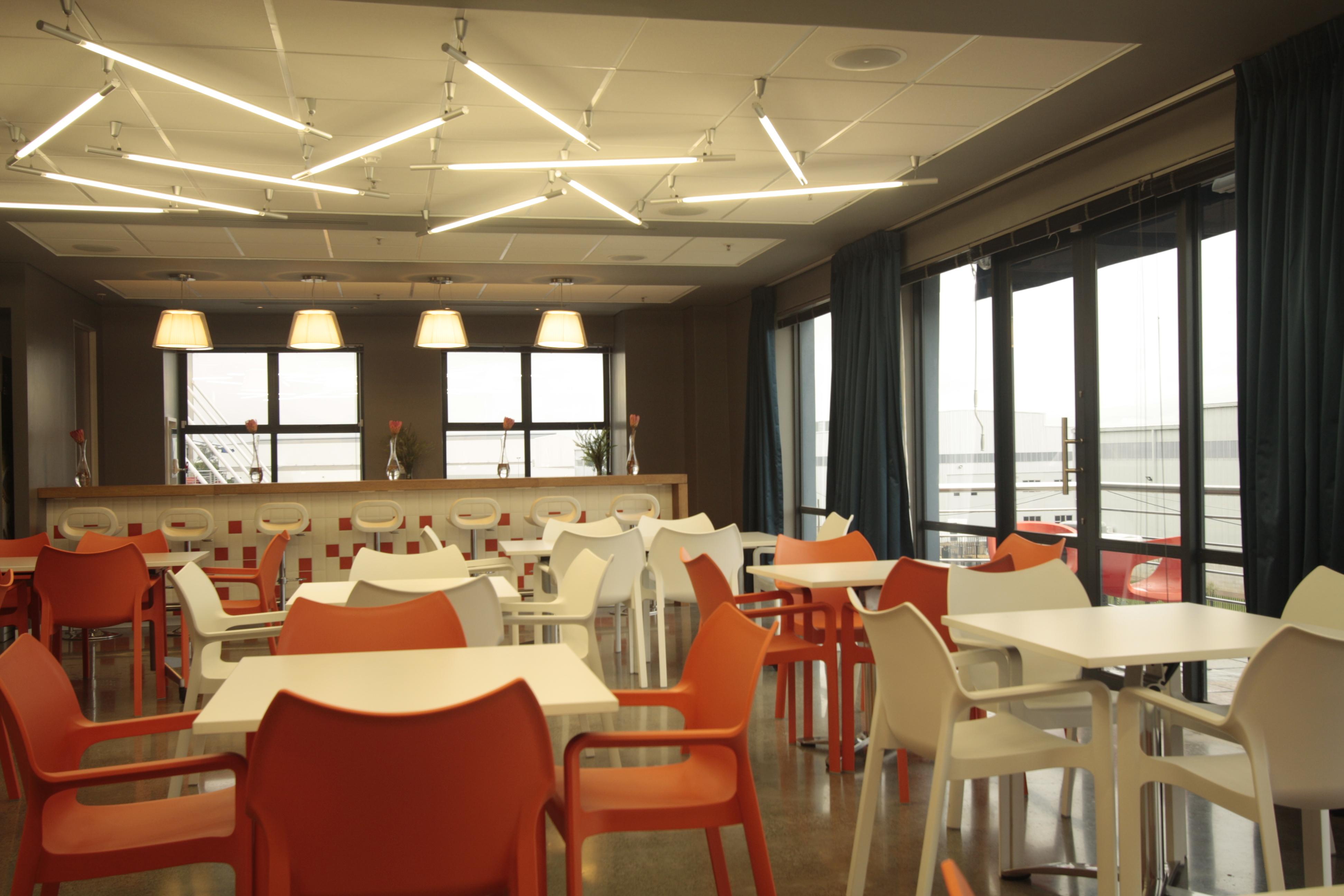 Corporate brandhouse elandsfontein annelise vorster for Design hotel douala